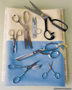 ft050_scissors4.jpg