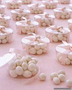 a99515_fal02_pearls.jpg