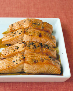 edf_mar03_fyk_salmon.jpg