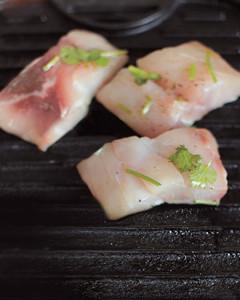 fish-tacos-4-med108825.jpg