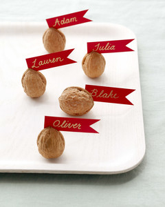 labels-walnut-ld105568.jpg