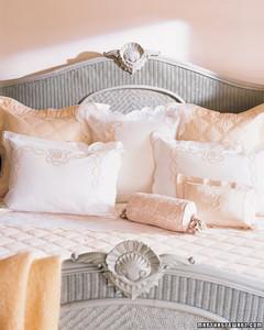 mla102768_0507_pillows.jpg