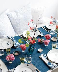 table-flowers-mld108276.jpg