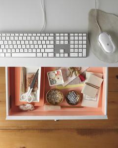 desktop-drawer-mld108210.jpg