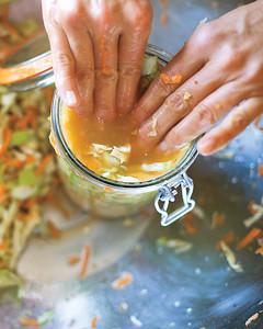 sauerkraut-jar-mld107654.jpg