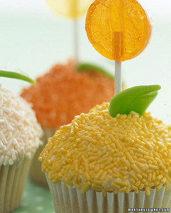 0306_kids_lollipopcupcake.jpg