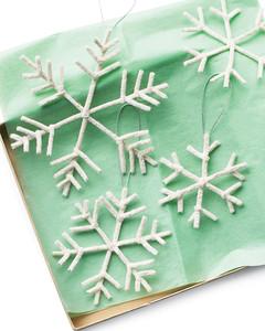 mld104350_1208_snowflakes.jpg