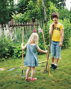garden-party-kids-md107635.jpg