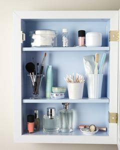 medicine-cabinet-mld108210.jpg