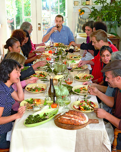 thanksgiving-table-mld107005.jpg