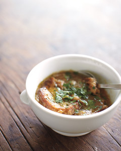 caramelized-onion-soup-med108290.jpg