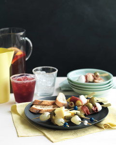 cheddar-pickle-skewers-med107845.jpg
