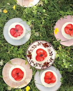 poppies-cupcake012-0511mld105934.jpg