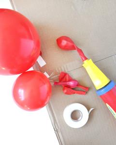 balloon rainbow arch craft