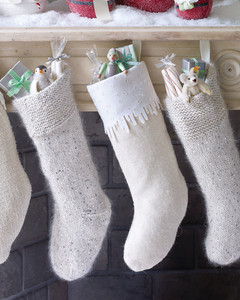 mld105065_1209_fireplace_stockings.jpg