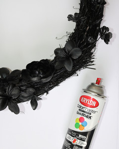 black magic halloween wreath step 5