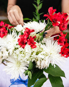 Fourth of July Flower Arrangement Step 6