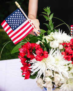 Fourth of July Flower Arrangement Step 9