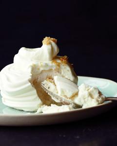 meringues-with-vanilla-cream-md108188.jpg