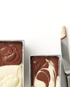 chocolate-vanilla-marble-cake-1-med108164.jpg