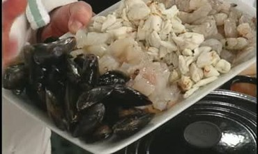 video: kitchen clambake with ina garten | martha stewart