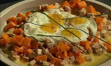 Video: Citrus-Rubbed Turkey with Cider Gravy | Martha Stewart