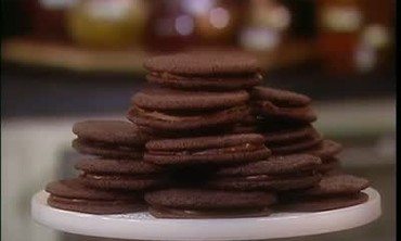 Video Emeril S Homemade Chocolate Waffles Part 1