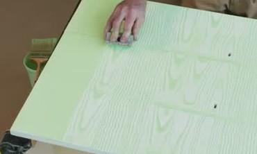 Video faux bois paint technique martha stewart for Faux bois painting technique