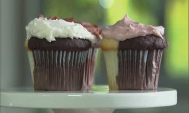 Video: Oreo Cookie Cupcake with a Raspberry Fluff Frosting   Martha ...