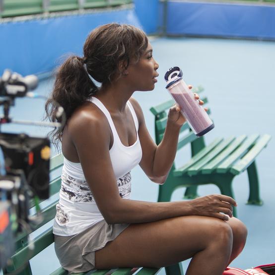 Tennius superstar Venus Williams enjoying a plant-based smoothie
