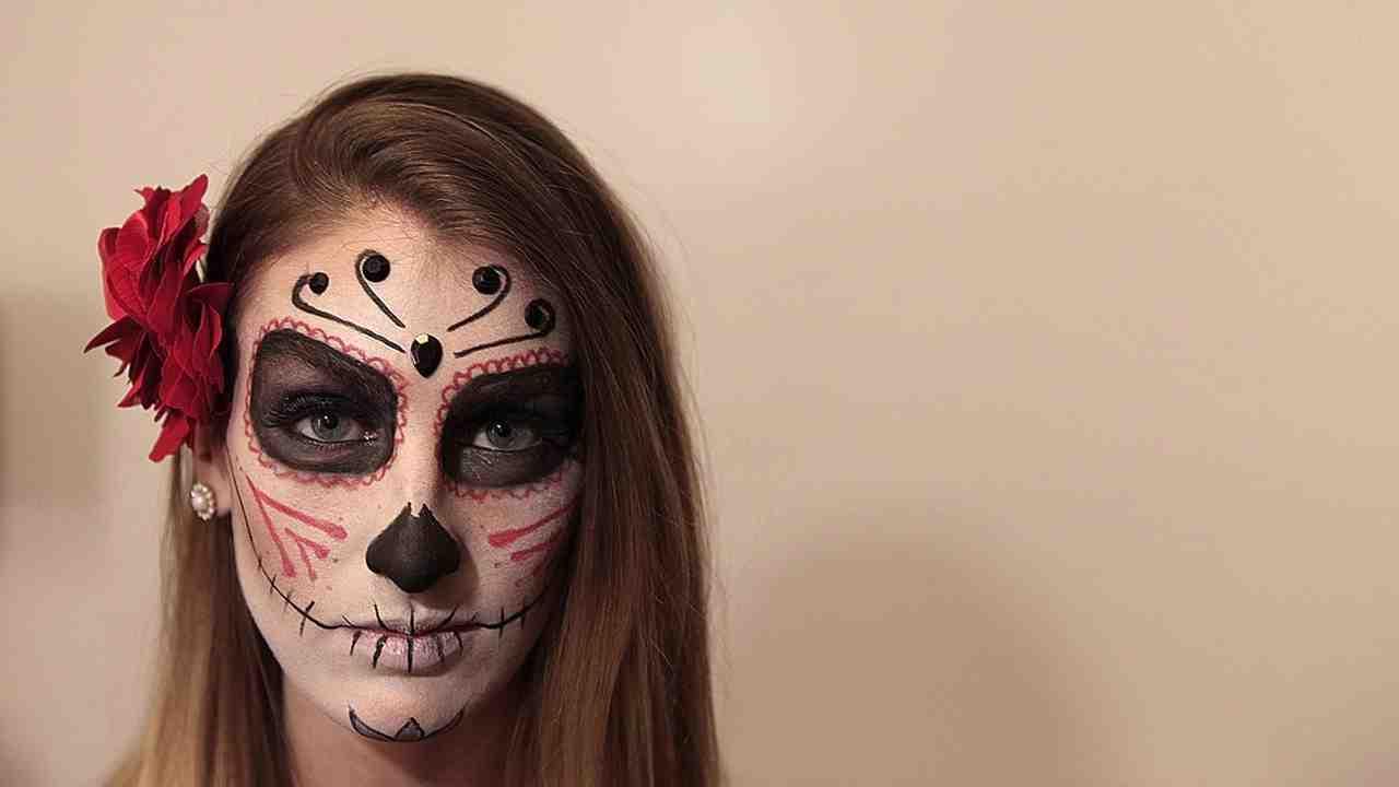 Halloween Sminkek.Diy Sugar Skull Makeup For Halloween