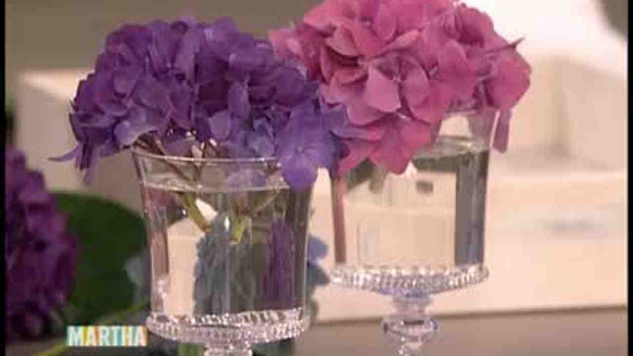 Video Small Tabletop Hydrangea Arrangements Martha Stewart