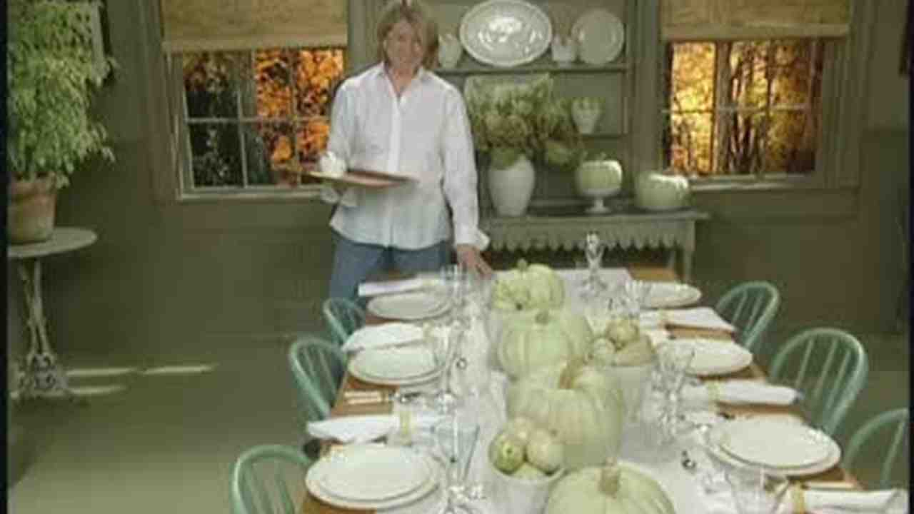 video: how to set a casual thanksgiving table | martha stewart