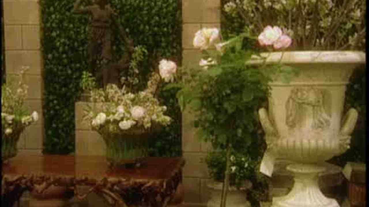 Decorating Gardens with Antique Furniture