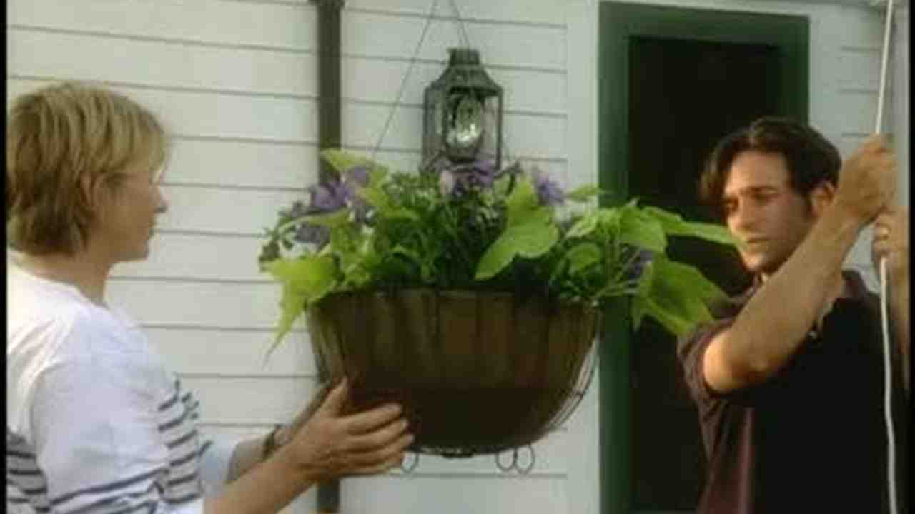How to Assemble a Pulley System for Hanging Basket