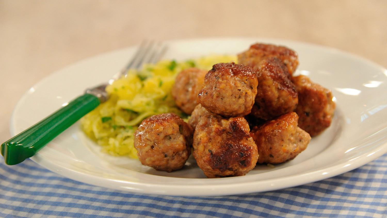 Jessica Alba's Turkey Meatballs Recipe & Video   Martha ...