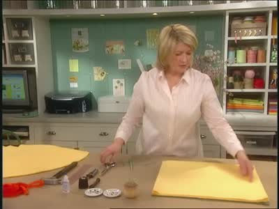 video how to create a portable play sack martha stewart. Black Bedroom Furniture Sets. Home Design Ideas