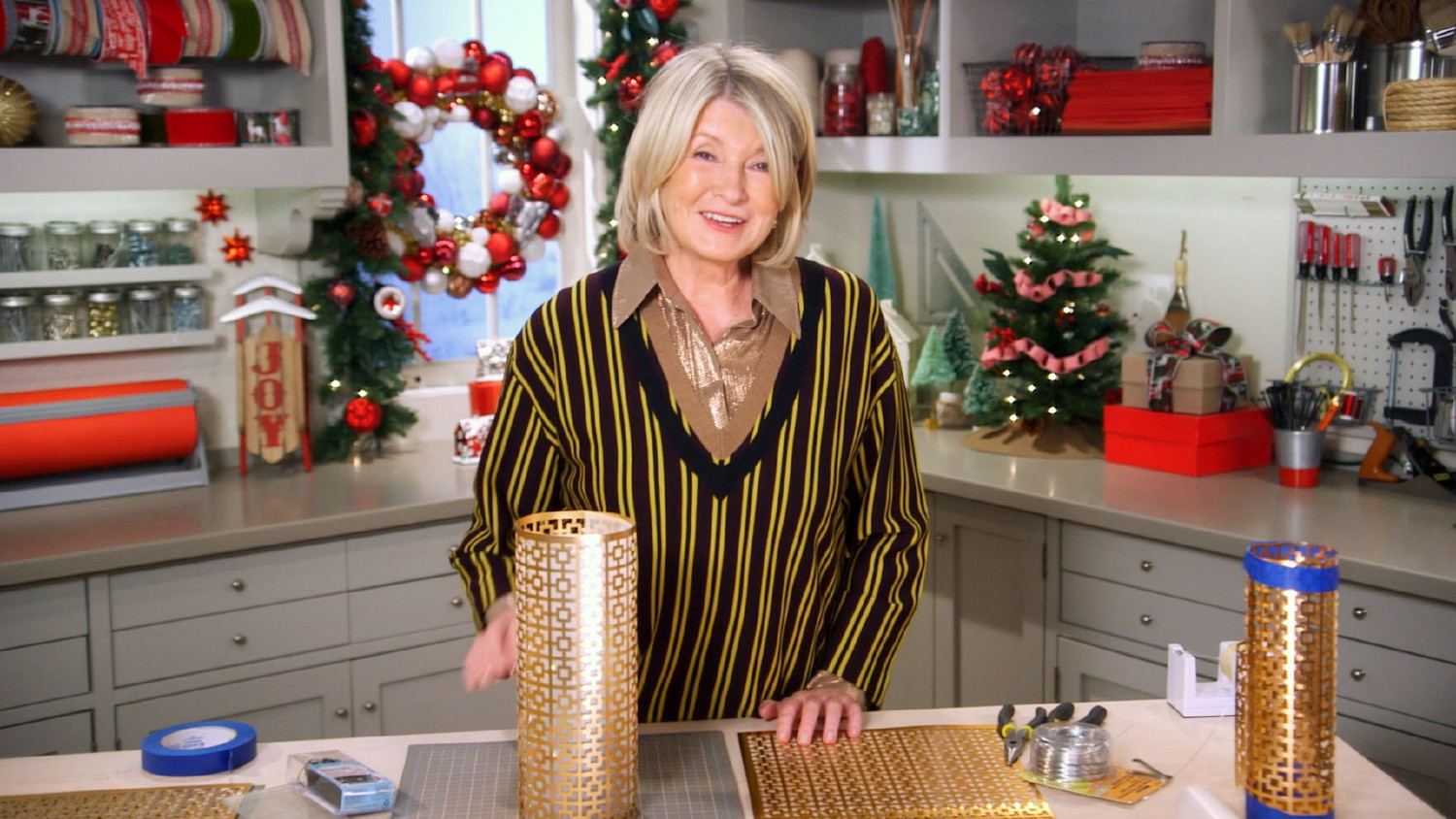 Video How To Decorate With Lights Martha Stewart