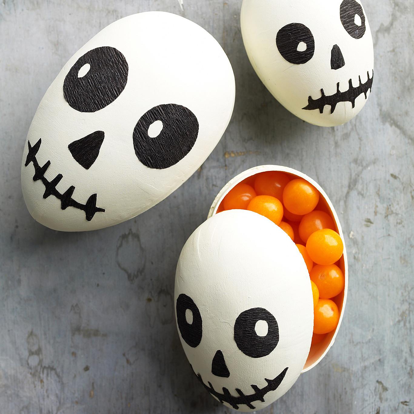 Indoor Halloween Decorations | Martha Stewart