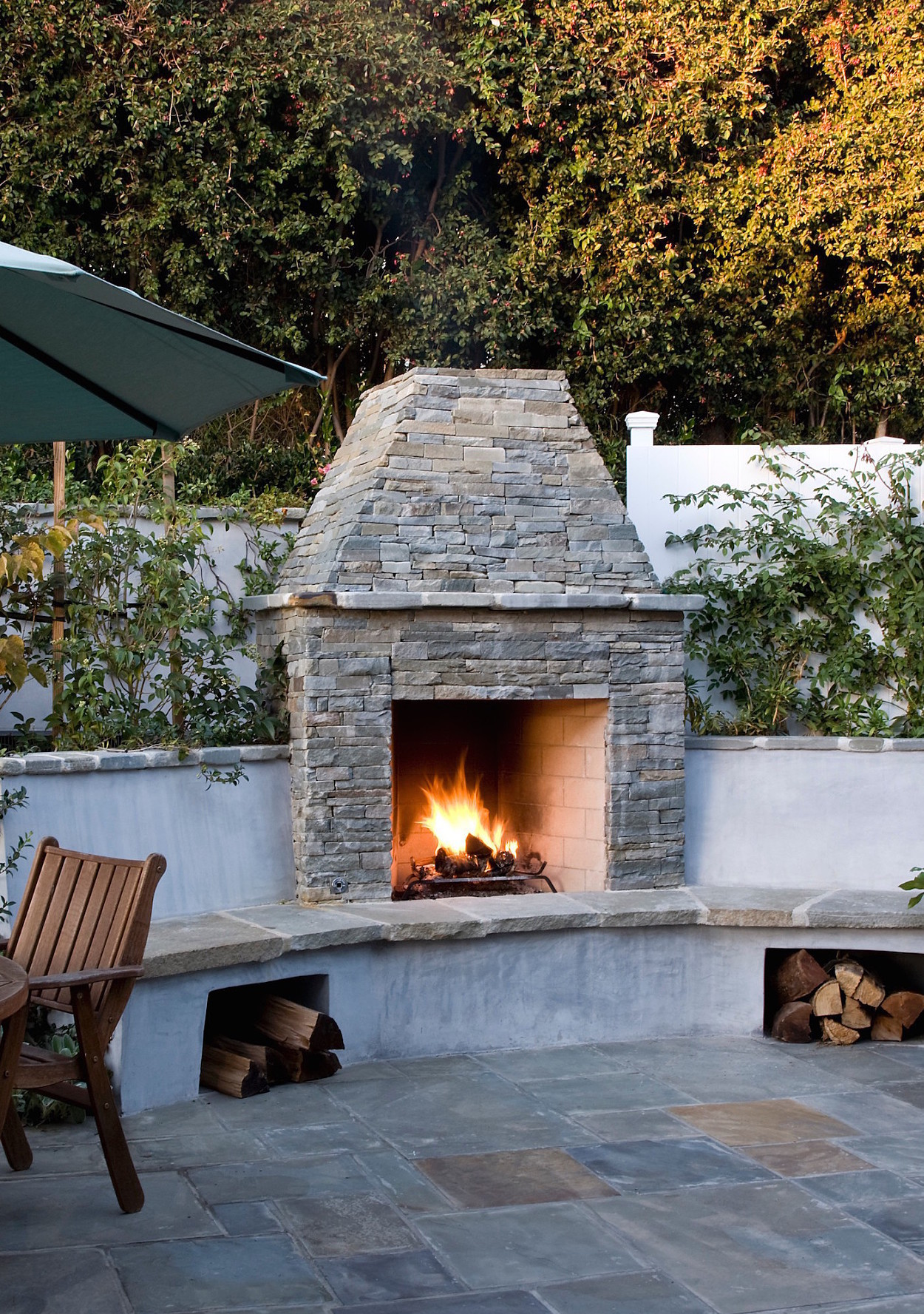 6 super cozy outdoor fire pits to keep you warm all season long martha stewart. Black Bedroom Furniture Sets. Home Design Ideas