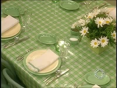 video: summer table settings | martha stewart