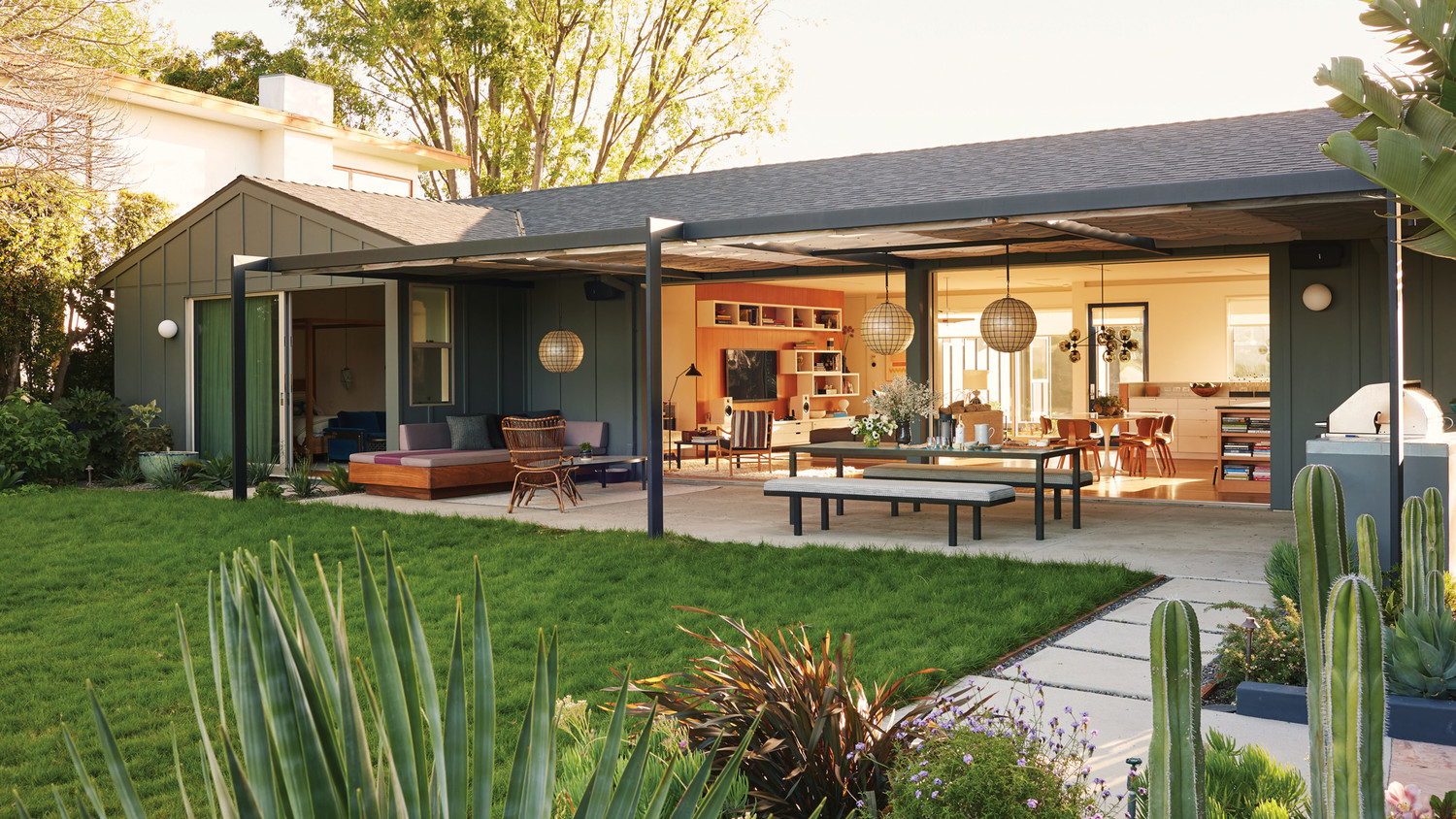 Take A Look Inside This Stunning La Ranch House Martha