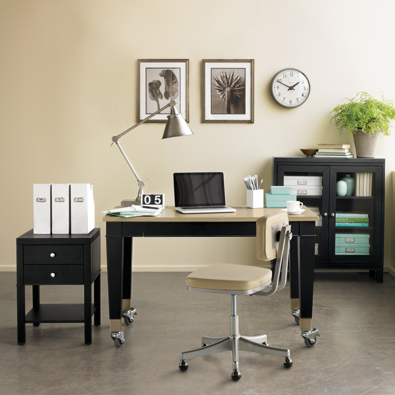 Martha stewart home office furniture martha stewart for Home office design 10x10