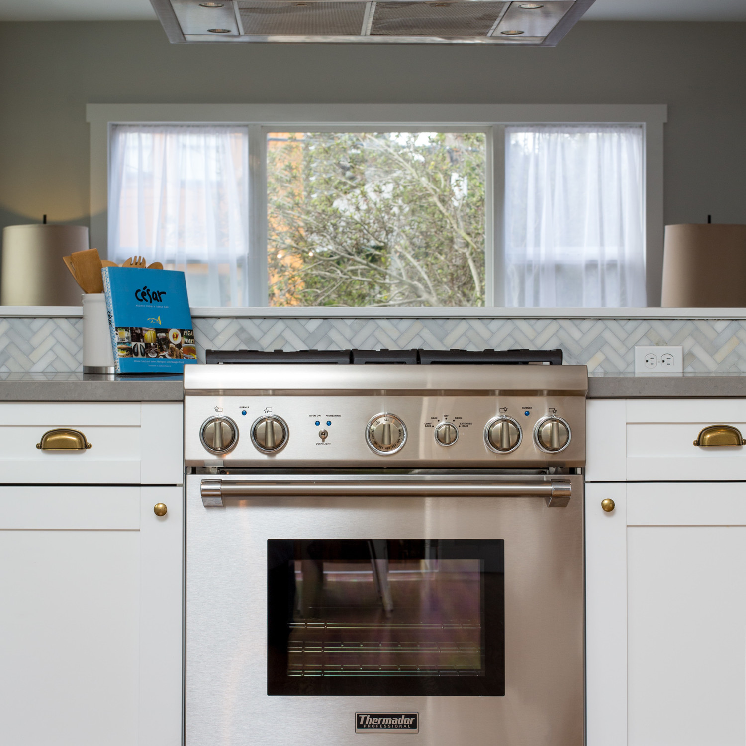 How to seriously deep clean your kitchen stove hood for Deep clean kitchen