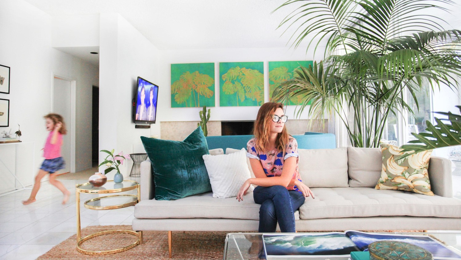 A Look At Kelly Oxfords Quirky Open Plan Living Room