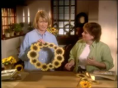 video how to make a sunflower wreath martha stewart. Black Bedroom Furniture Sets. Home Design Ideas