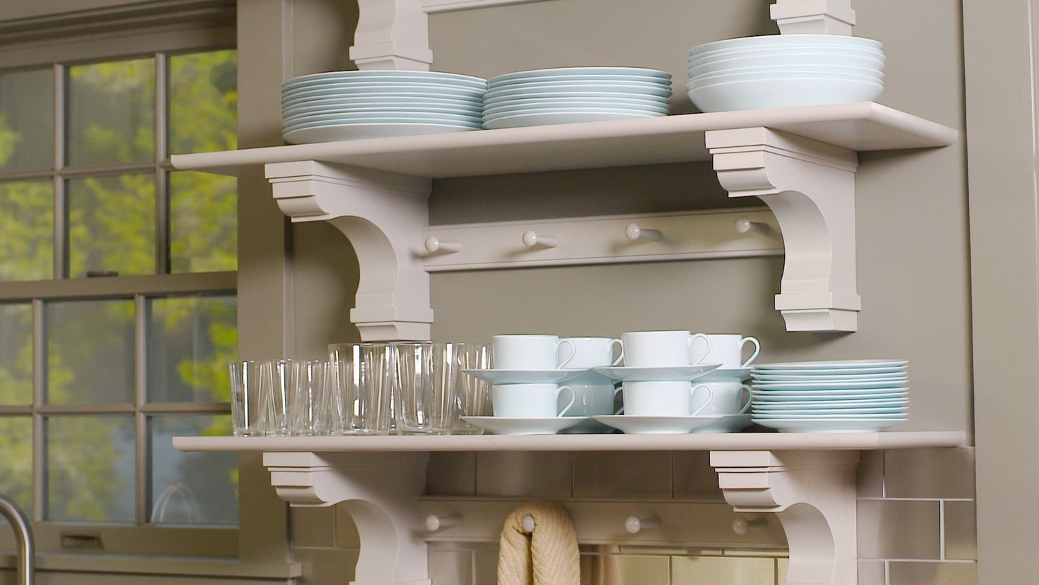 Easy Kitchen Video Get Martha Stewarts Tips For Easy Kitchen Organizing