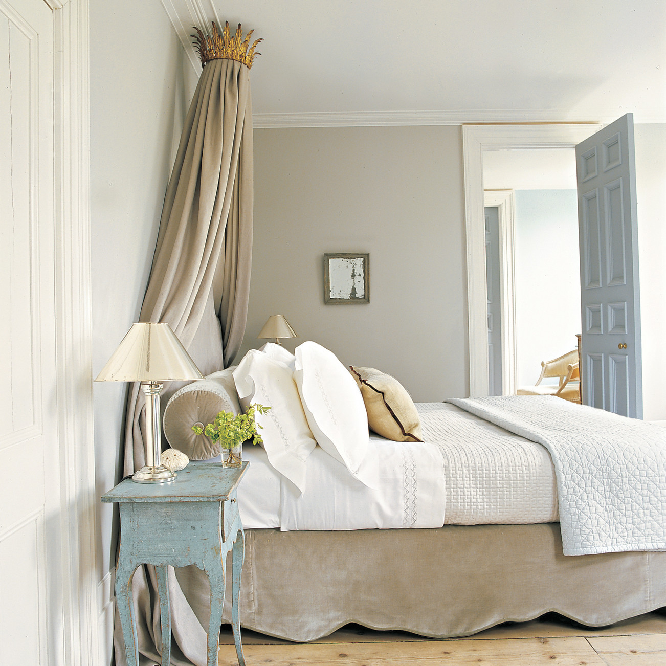 Painting Bedroom Painting A Room Step By Step Martha Stewart