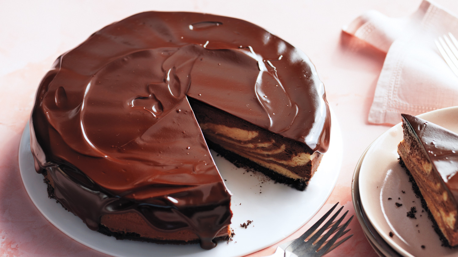 Chocolate Peanut Butter Cheesecake With Chocolate Glaze