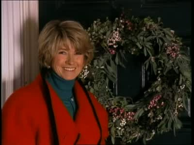 Video good things how to hang a wreath on front doors for Things to hang on front door